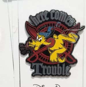 Here comes trouble Pluto authentic disney pin